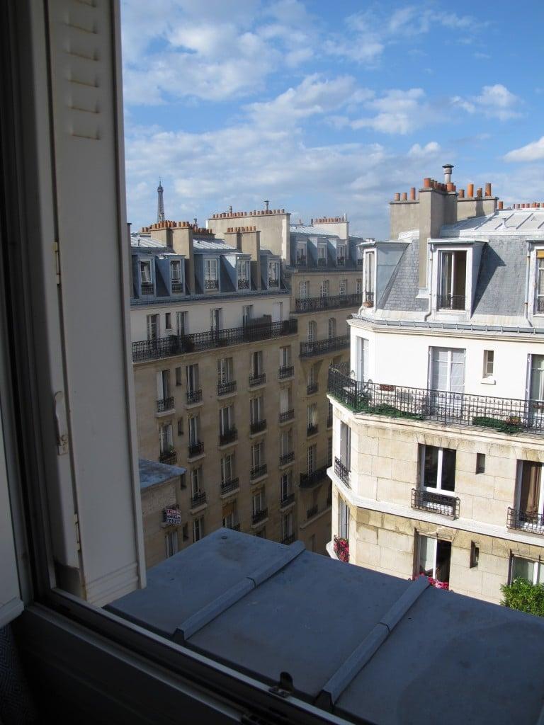 como s o os chambres de bonne alugados por estudantes em paris guia do estrangeiro. Black Bedroom Furniture Sets. Home Design Ideas
