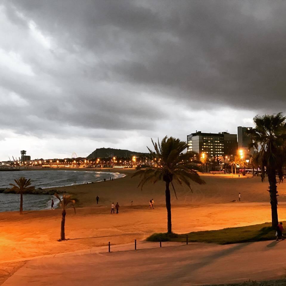 vista-praia-de-barcelona