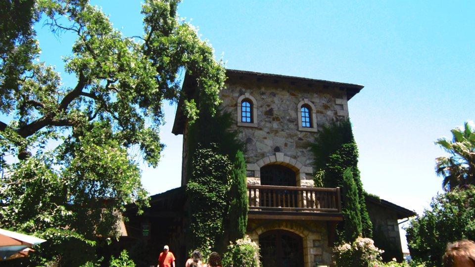 Vista do exterior da vinícola em Napa Valley